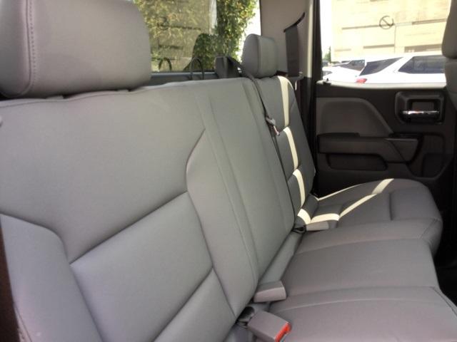 2019 Silverado 2500 Double Cab 4x2,  Cab Chassis #C193091 - photo 28