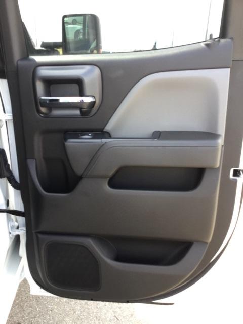 2019 Silverado 2500 Double Cab 4x2,  Cab Chassis #C193091 - photo 31