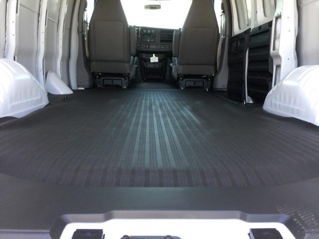 2019 Express 2500 4x2,  Empty Cargo Van #C193105 - photo 2