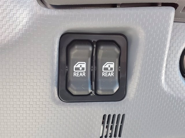 2019 Chevrolet LCF 4500 Crew Cab DRW 4x2, Freedom GrassPro Dovetail Landscape #C193228 - photo 29