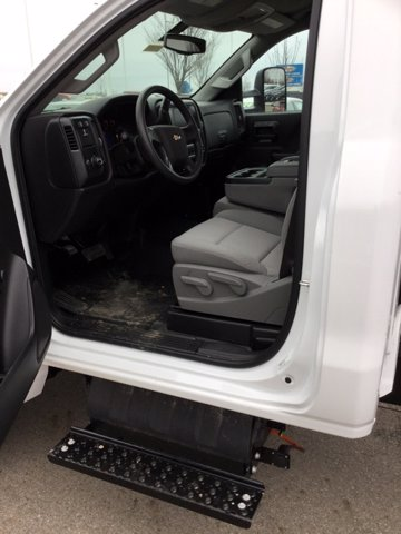2020 Chevrolet Silverado 5500 Regular Cab DRW 4x2, Knapheide Concrete Concrete Body #C203055 - photo 11