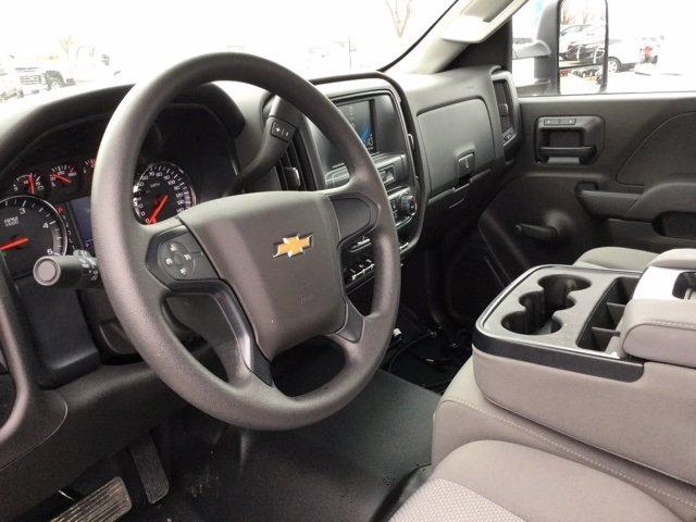 2020 Chevrolet Silverado 5500 Regular Cab DRW 4x2, Knapheide Concrete Concrete Body #C203055 - photo 12