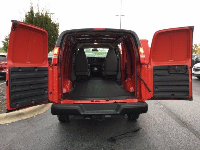 2020 Chevrolet Express 3500 4x2, Empty Cargo Van #C203234 - photo 2
