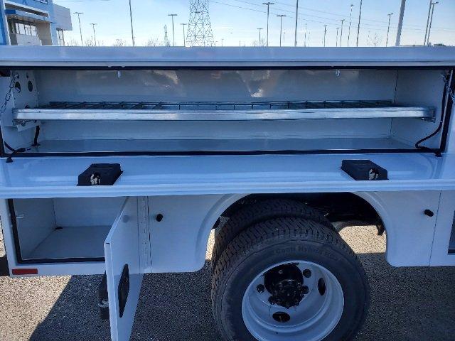 2020 Chevrolet Silverado 5500 Regular Cab DRW 4x4, Knapheide Steel Service Body #C203256 - photo 28