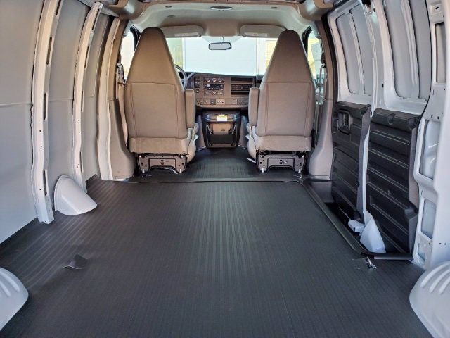 2021 Chevrolet Express 2500 4x2, Empty Cargo Van #C213015 - photo 1