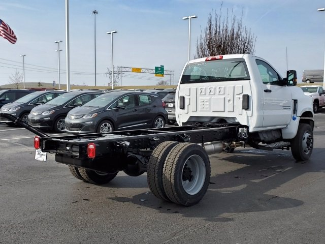 2021 Chevrolet Silverado 6500 Regular Cab DRW 4x4, Cab Chassis #C213067 - photo 2
