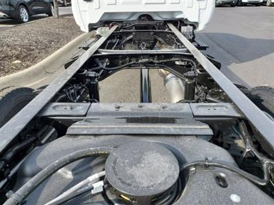 2021 Chevrolet Silverado 6500 Regular Cab DRW 4x4, Cab Chassis #C213067 - photo 21