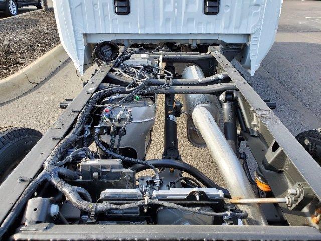 2021 Chevrolet Silverado 3500 Crew Cab AWD, Cab Chassis #C213073 - photo 15