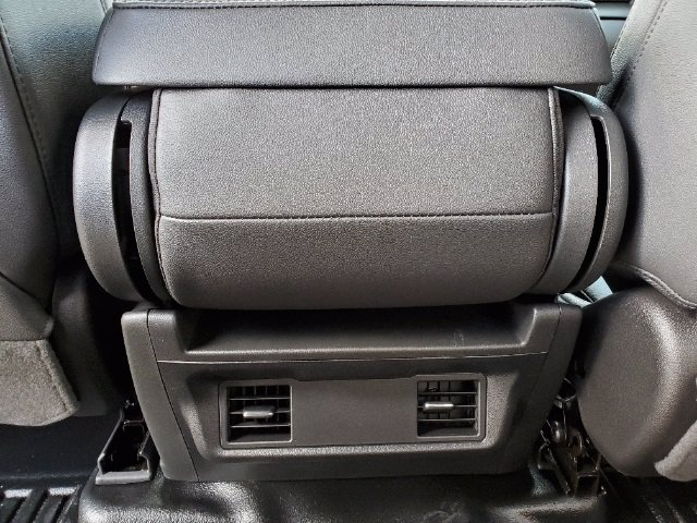 2021 Chevrolet Silverado 3500 Crew Cab AWD, Cab Chassis #C213073 - photo 16
