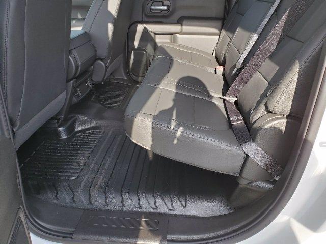 2021 Chevrolet Silverado 3500 Crew Cab AWD, Cab Chassis #C213073 - photo 17