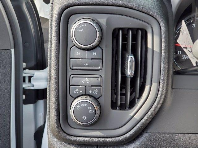 2021 Chevrolet Silverado 3500 Crew Cab AWD, Cab Chassis #C213073 - photo 33