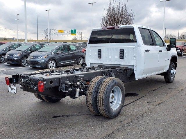 2021 Chevrolet Silverado 3500 Crew Cab AWD, Cab Chassis #C213075 - photo 2