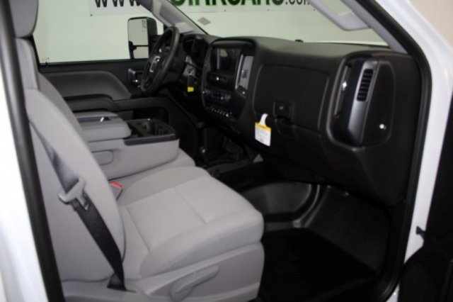 2018 Sierra 3500 Regular Cab DRW 4x4, Cab Chassis #G14725 - photo 8