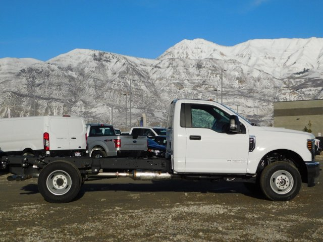 2019 F-350 Regular Cab DRW 4x4,  Cab Chassis #1FD1827 - photo 3