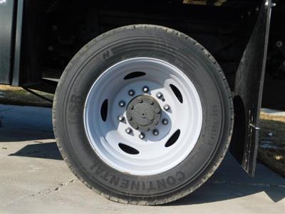 2019 F-550 Super Cab DRW 4x4,  CM Truck Beds RD Model Platform Body #1FD1845 - photo 9