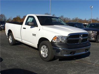 2017 Ram 1500 Regular Cab 4x4, Pickup #22494 - photo 4