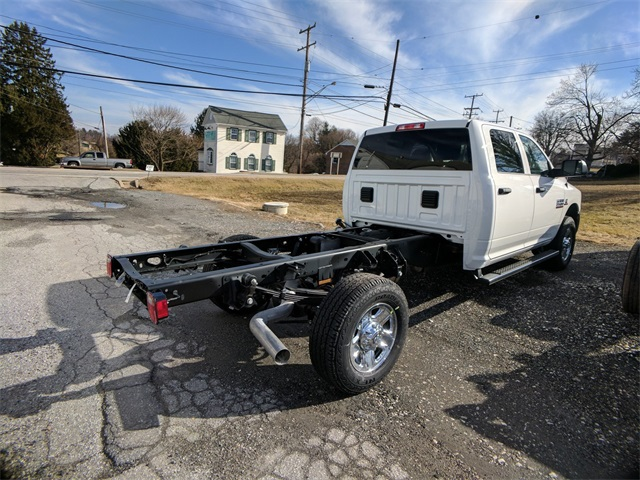 2018 Ram 3500 Crew Cab 4x4, Cab Chassis #23225 - photo 4