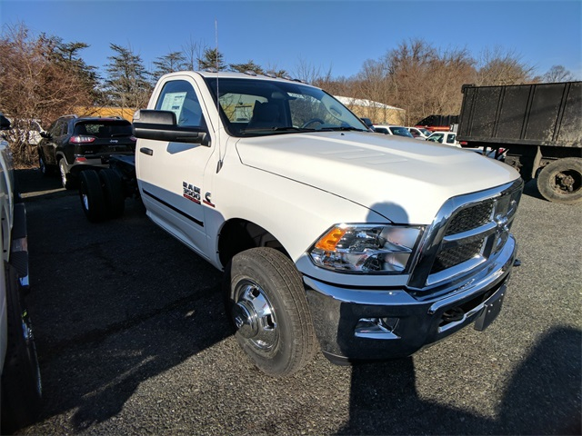 2018 Ram 3500 Regular Cab DRW 4x4,  Cab Chassis #23236 - photo 5