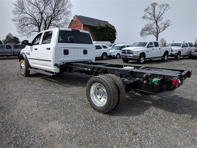 2018 Ram 4500 Crew Cab DRW, Cab Chassis #23374 - photo 2