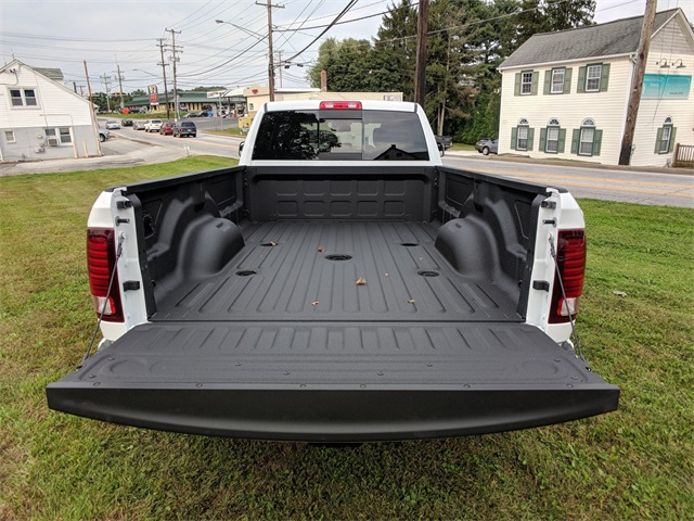 2018 Ram 3500 Crew Cab DRW 4x4,  Pickup #23798 - photo 8