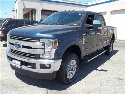 2018 F-250 Crew Cab 4x4, Pickup #104136 - photo 1