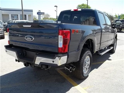 2018 F-250 Crew Cab 4x4, Pickup #104136 - photo 4