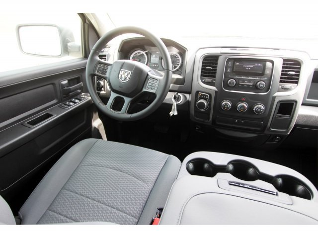 2019 Ram 1500 Crew Cab 4x2,  Pickup #KS622929 - photo 10