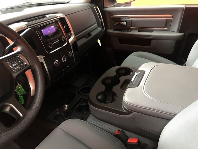 2018 Ram 5500 Regular Cab DRW 4x4,  Cab Chassis #G166984T - photo 24