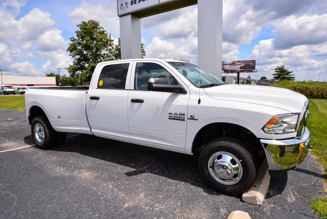 2017 Ram 3500 Crew Cab DRW 4x4, Pickup #G731132T - photo 3
