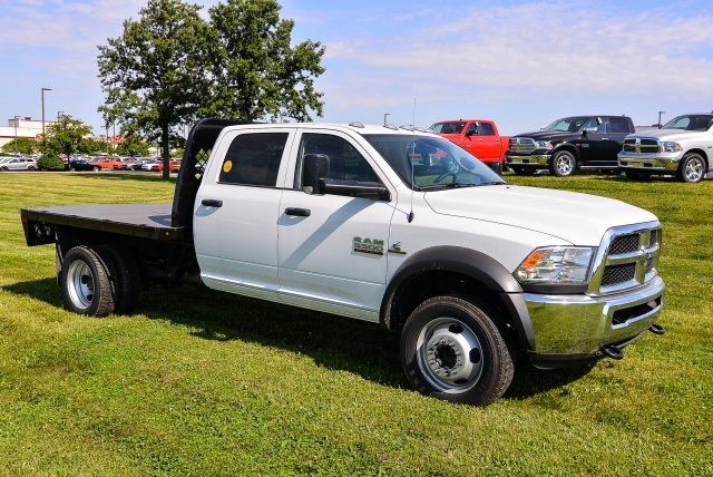 2017 Ram 5500 Crew Cab DRW 4x4, Platform Body #HG582021 - photo 3