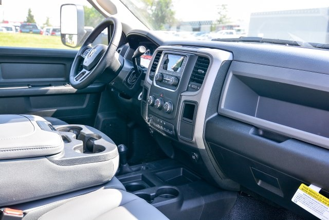 2017 Ram 5500 Crew Cab DRW 4x4, Platform Body #HG582021 - photo 34