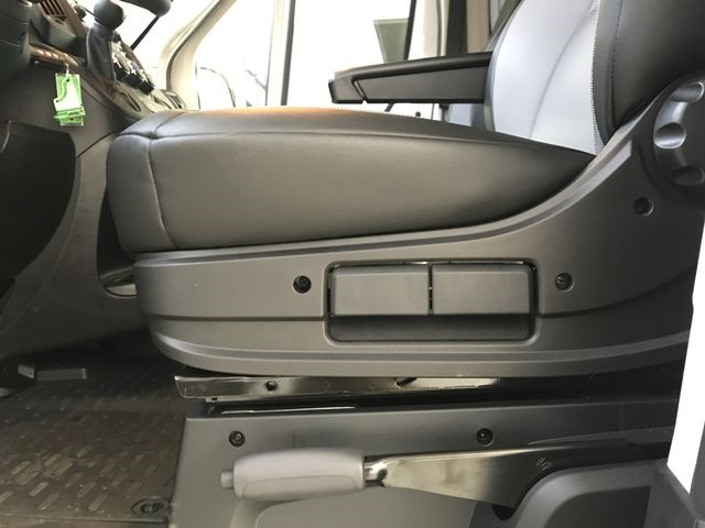 2018 ProMaster 2500 High Roof 4x2,  Empty Cargo Van #JE107894 - photo 19