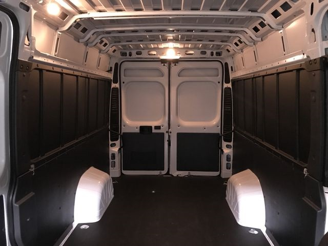 2018 ProMaster 3500 High Roof 4x2,  Empty Cargo Van #JE138558 - photo 4