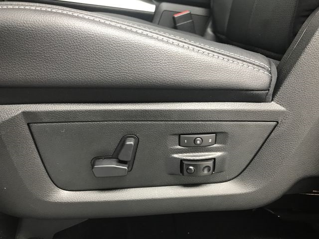 2018 Ram 1500 Crew Cab 4x4, Pickup #JS257893 - photo 19