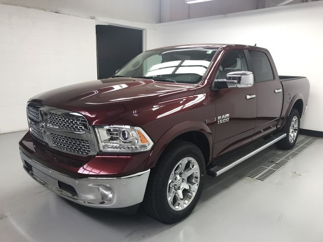 2018 Ram 1500 Crew Cab 4x4, Pickup #JS257893 - photo 5
