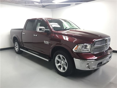 2018 Ram 1500 Crew Cab 4x4, Pickup #JS257893 - photo 3