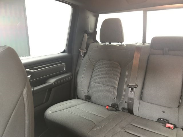 2019 Ram 1500 Crew Cab 4x4, Pickup #KN516271 - photo 10