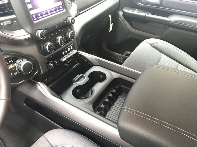 2019 Ram 1500 Crew Cab 4x4, Pickup #KN516271 - photo 24