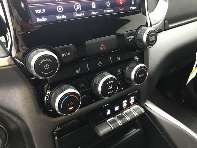 2019 Ram 1500 Crew Cab 4x4,  Pickup #KN538940 - photo 22