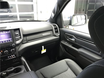 2019 Ram 1500 Crew Cab 4x4,  Pickup #KN540364 - photo 7
