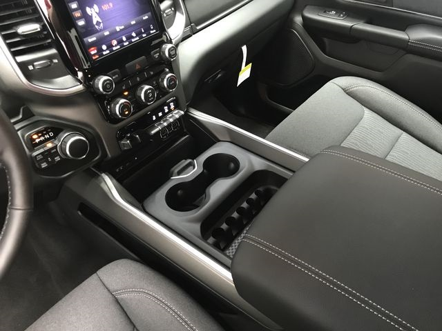 2019 Ram 1500 Crew Cab 4x4,  Pickup #KN563416 - photo 25