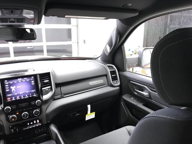 2019 Ram 1500 Crew Cab 4x4,  Pickup #KN563416 - photo 8