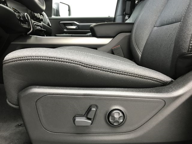 2019 Ram 1500 Crew Cab 4x4,  Pickup #KN578678 - photo 18