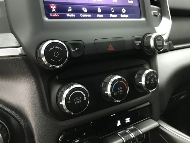 2019 Ram 1500 Crew Cab 4x4,  Pickup #KN578680 - photo 23