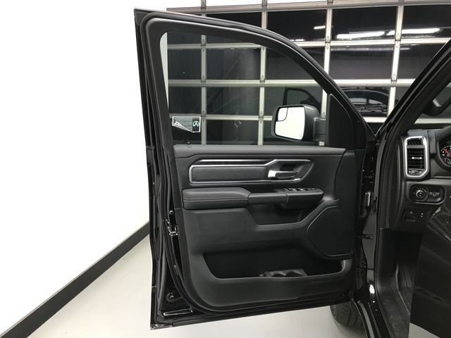 2019 Ram 1500 Crew Cab 4x4,  Pickup #KN578682 - photo 16