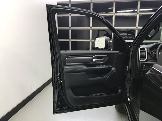 2019 Ram 1500 Crew Cab 4x4,  Pickup #KN578683 - photo 16
