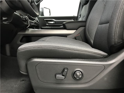 2019 Ram 1500 Crew Cab 4x4,  Pickup #KN578683 - photo 18