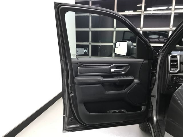 2019 Ram 1500 Crew Cab 4x4,  Pickup #KN578686 - photo 17