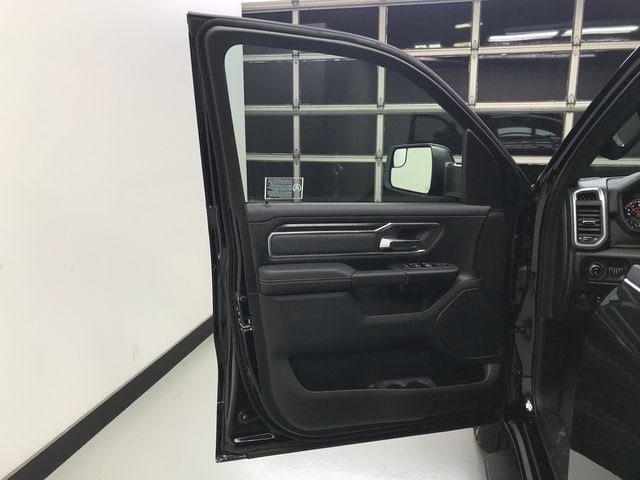 2019 Ram 1500 Crew Cab 4x4,  Pickup #KN592903 - photo 29