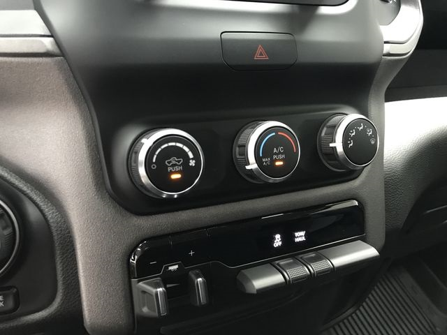 2019 Ram 1500 Crew Cab 4x4,  Pickup #KN597067 - photo 24